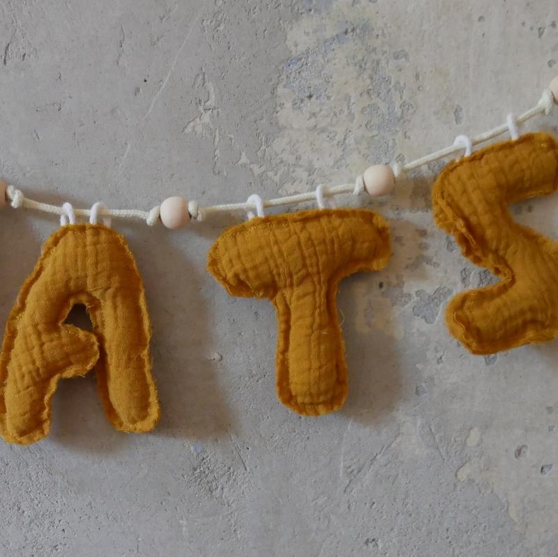 Kleinesbild - Namens Girlande aus Musselin vom zimtbienchen individualisierbar verschiedene Farben
