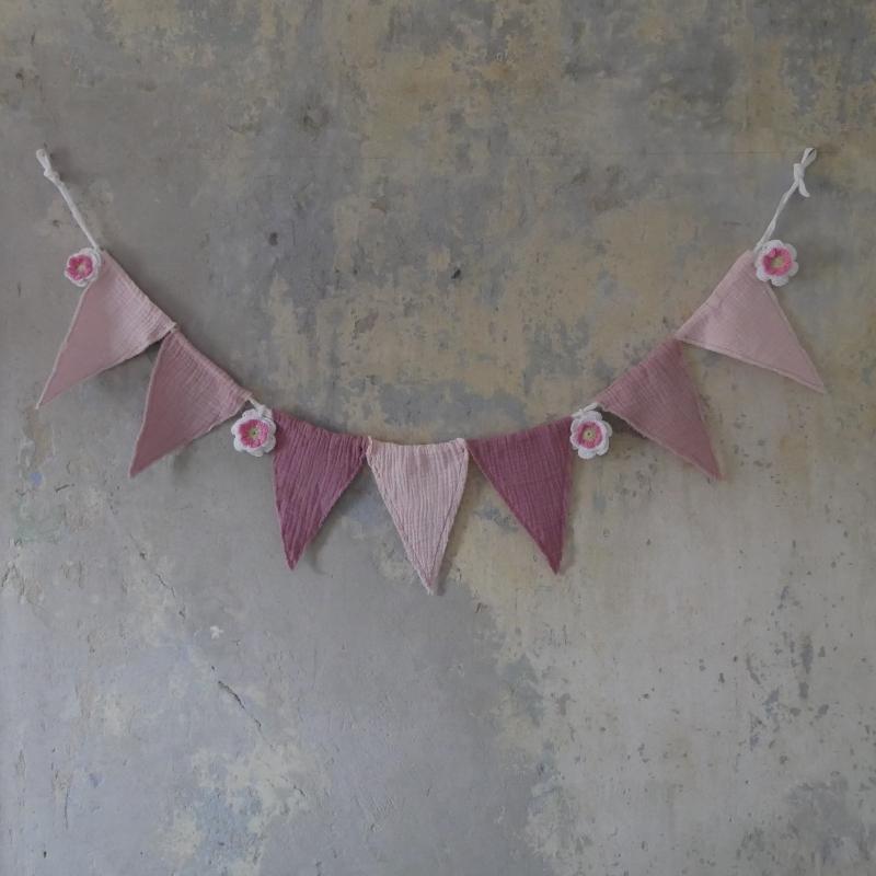 - Wimpelkette ROSE vom zimtbienchen Girlande mit Rose gehäkelt - Wimpelkette ROSE vom zimtbienchen Girlande mit Rose gehäkelt