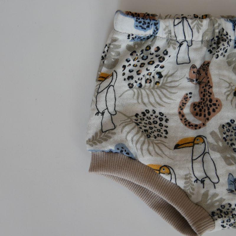 Kleinesbild - Musselin Bloomer Bummie mit LEOPARD und TUKAN kurze Hose Handarbeit Windelhöschen zimtbienchen für Baby / Kind
