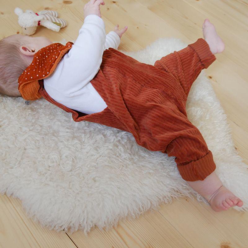 Kleinesbild -  Latzhose Modell MATS rostrot Jumper Romper aus Jersey Cord für Baby und Kind vom zimtbienchen 50/104