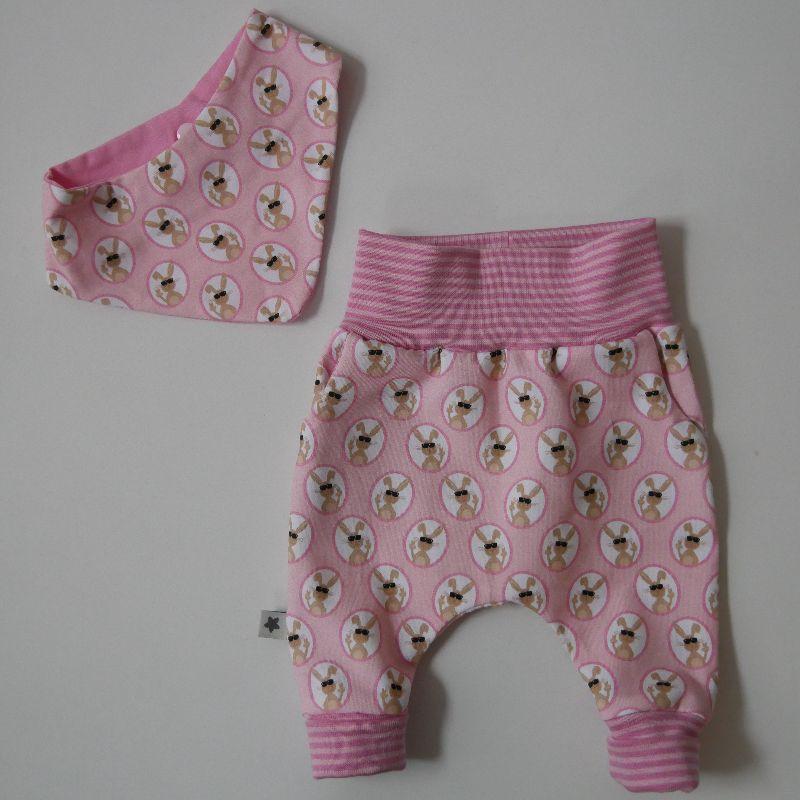 - Neugeborenenset HASE 2-teilig  Wendehalstuch Pumphose für Baby GRöße 56 von zimtbienchen   - Neugeborenenset HASE 2-teilig  Wendehalstuch Pumphose für Baby GRöße 56 von zimtbienchen