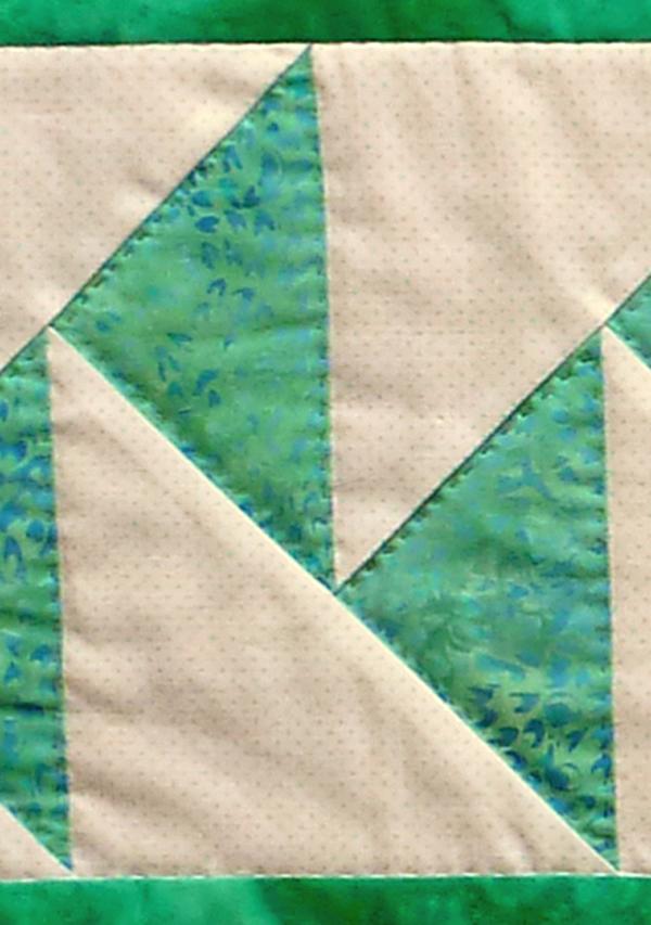 Kleinesbild - ♡ Tischläufer mit dem Muster parallel fliegende Gänse auf hellem Hintergrund