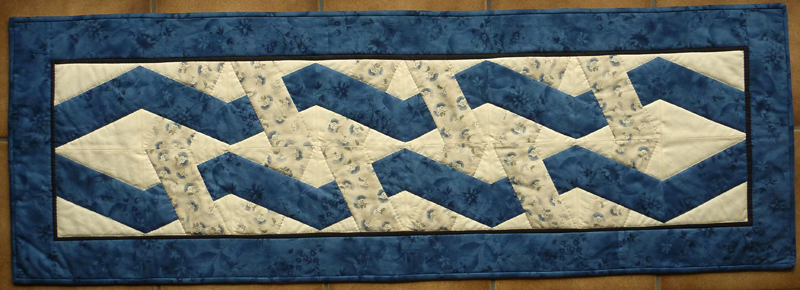 - ♡ eleganter Tischläufer mit Flechtmuster in Blautönen - ♡ eleganter Tischläufer mit Flechtmuster in Blautönen