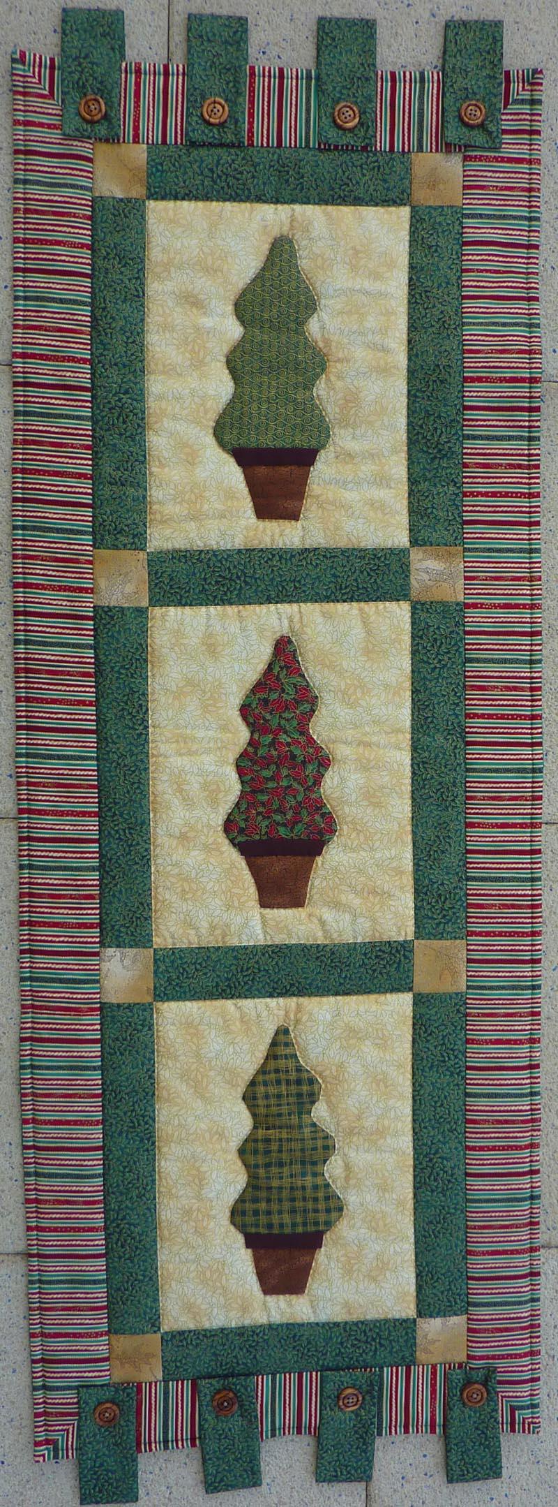 - ♡ Weihnachtlicher Wandbehang mit 3 applizierten Bäumchen - ♡ Weihnachtlicher Wandbehang mit 3 applizierten Bäumchen