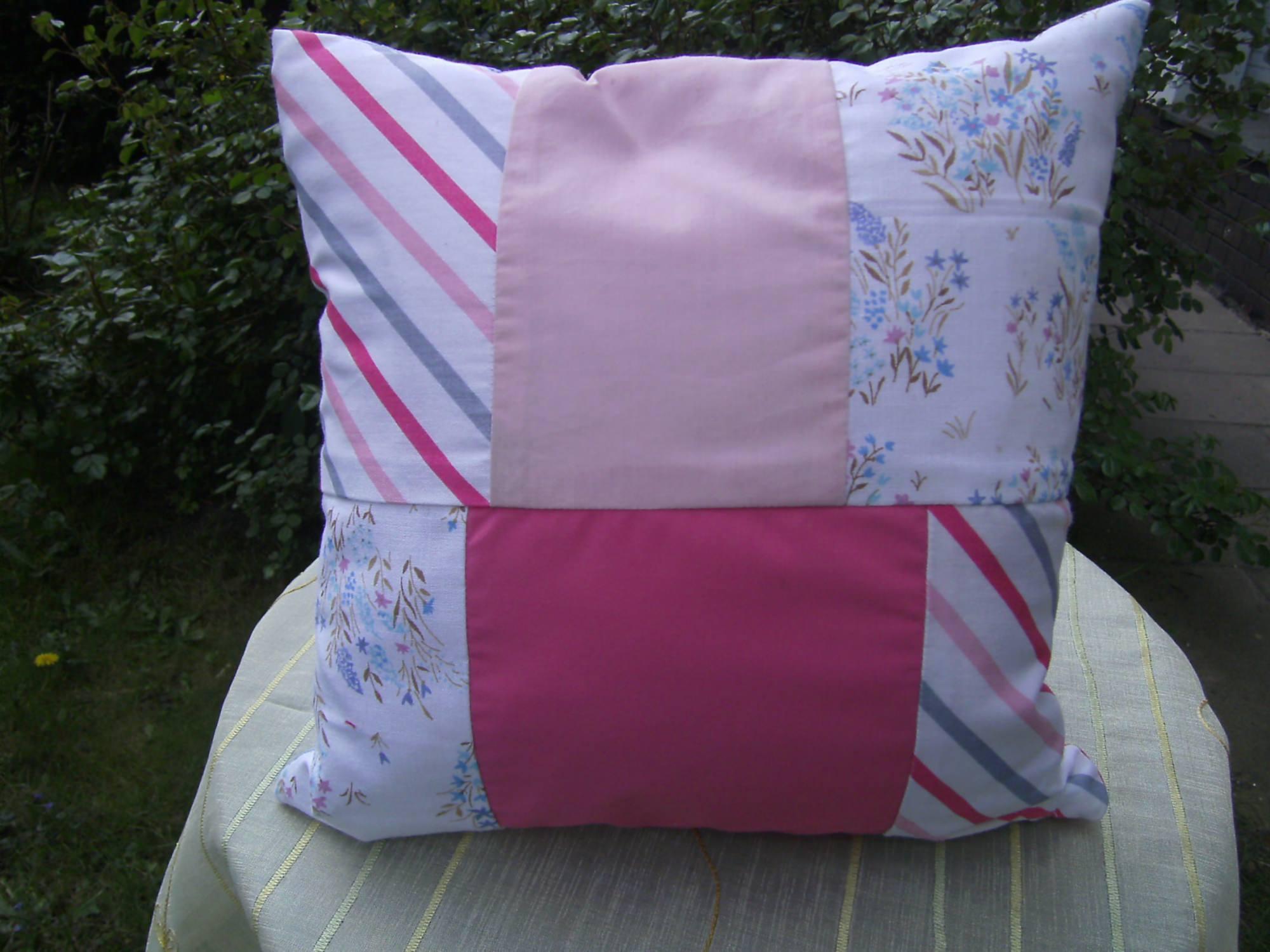 Kleinesbild - rosa-bleu Patchworkkissen