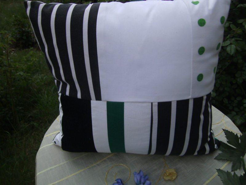 Kleinesbild - grün-weiß-schwarzes Patchworkkissen