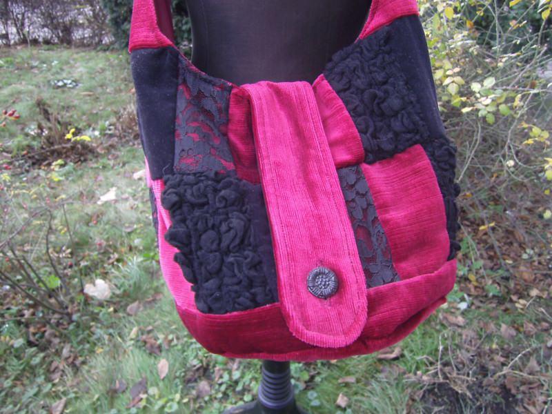 Kleinesbild - rot-schwarzer Patchworkbeutel