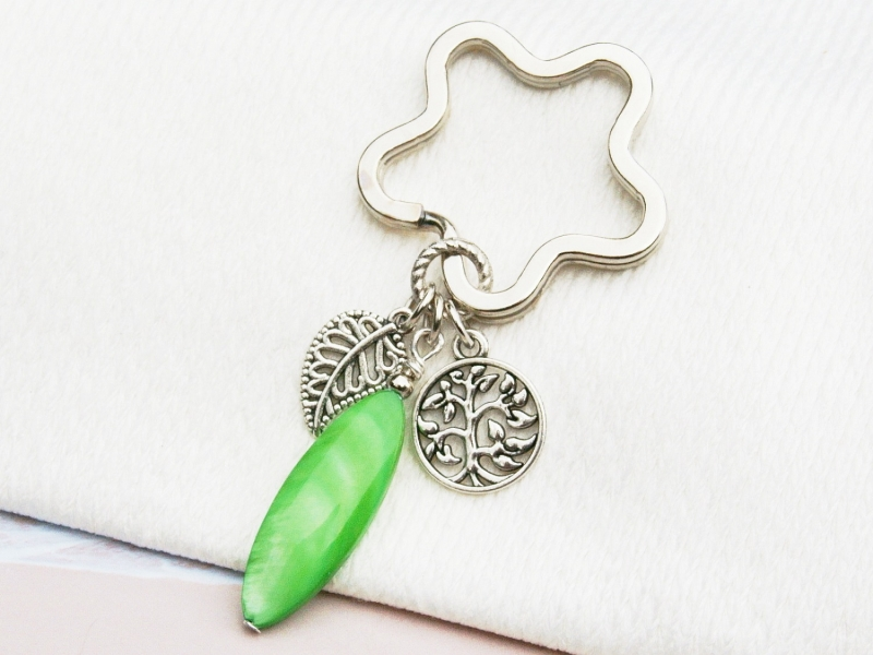 Kleinesbild - Schlüsselanhänger Baum Lebensbaum Perlmutt grün