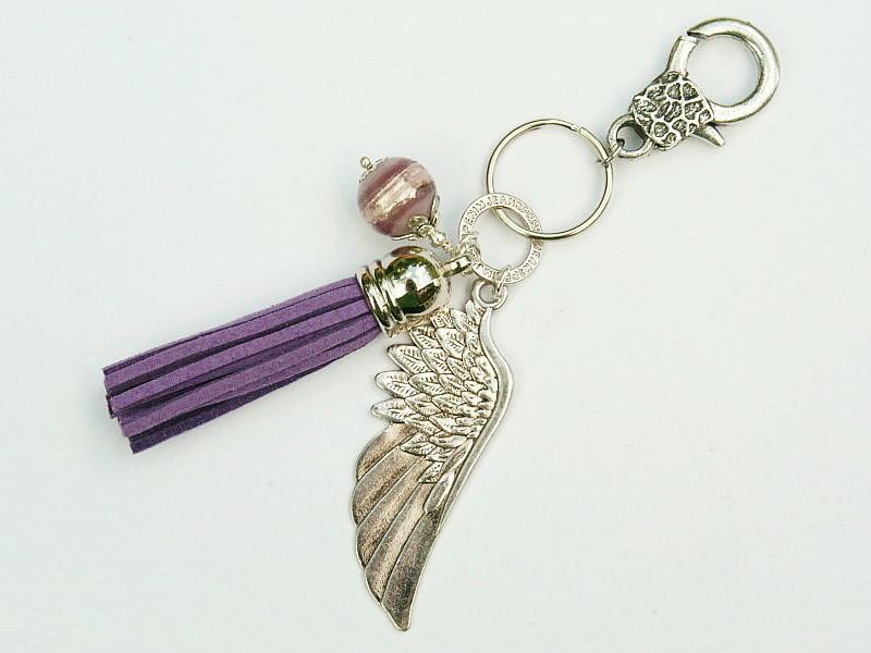 Kleinesbild - Anhänger Schlüsselanhänger Taschenanhänger Kettenanhänger großer Flügel Quaste violett