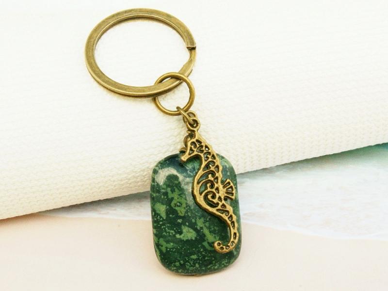 Kleinesbild - Schlüsselanhänger Seepferd Edelstein Jaspis grün bronzefarben