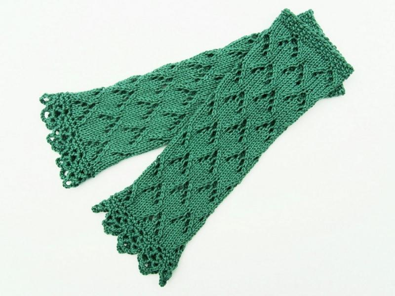 Kleinesbild - Armstulpen Pulswärmer grün Baumwolle handgestrickt Ajour Lochmuster  filigran Spitzenrand
