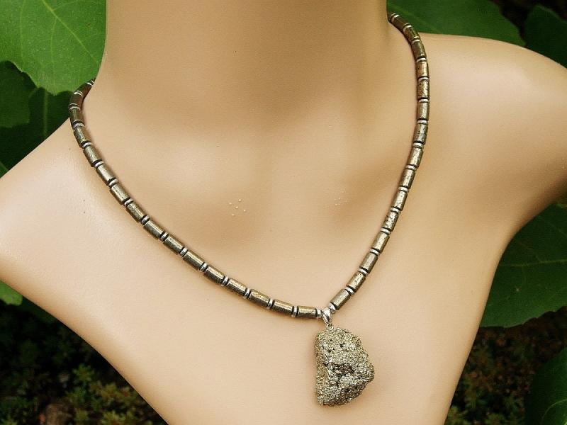Kleinesbild - Halskette mit Anhänger roher Pyrit und Hämatit Linsen für Frauen und Männer Anhängerkette
