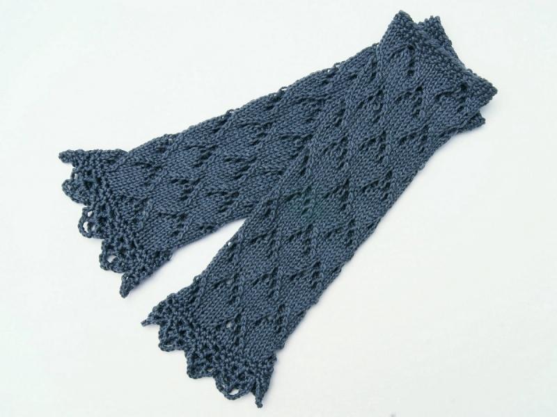 Kleinesbild - Armstulpen Pulswärmer graublau Baumwolle handgestrickt Ajour Lochmuster  filigran Spitzenrand