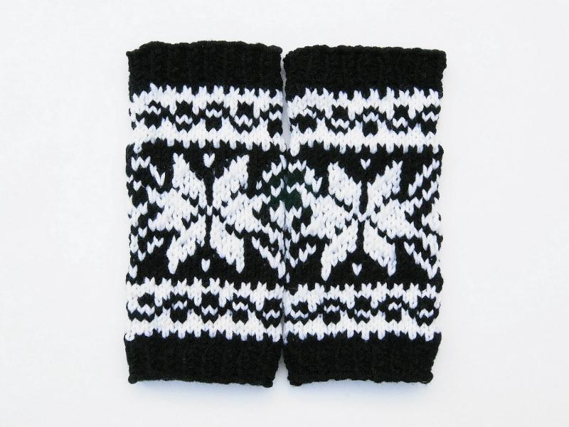Kleinesbild - Armstulpen schwarz weiß Wollemischung handgestrickt Norweger mit Stern