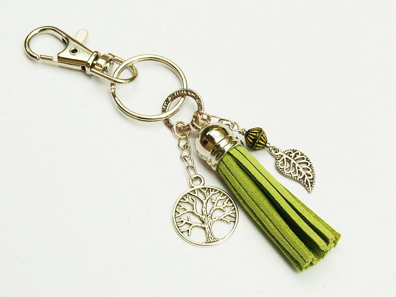Kleinesbild - Schlüsselanhänger Taschenanhänger Baum Lebensbaum Glücksbringer Quaste grün