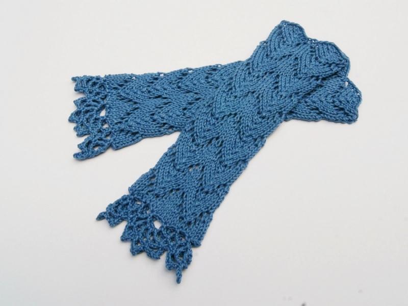 Kleinesbild - Armstulpen  blau Baumwolle handgestrickt Lochmuster filigran