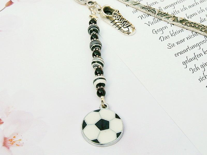 Kleinesbild - Lesezeichen groß Metall Fußball Fußballschuh schwarz weiß (Kopie id: 100253994)