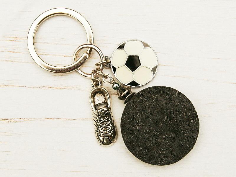 Kleinesbild - Schlüsselanhänger Fußball Fußballschuh Lava schwarz