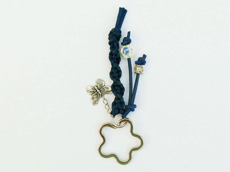 Kleinesbild - Schlüsselanhänger Schmetterling Blume Makramee blau