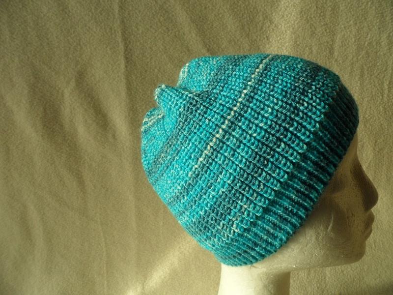 Kleinesbild - Beanie, Mütze gestrickt, Farbverlauf blau, Umfang: 50 - 52 cm