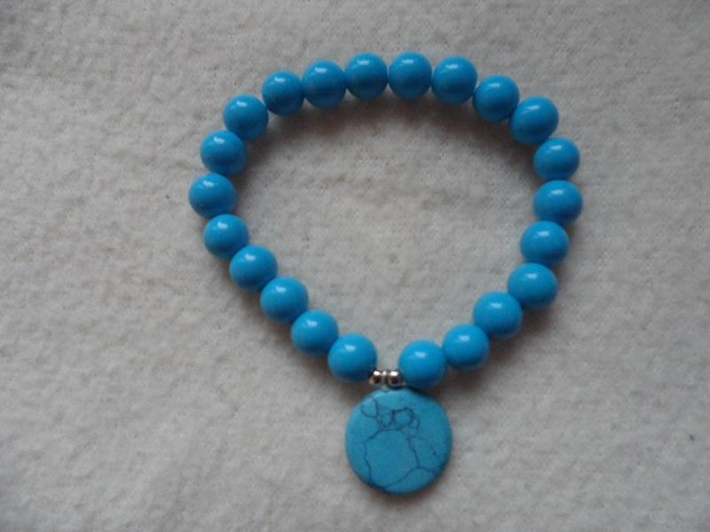 - Perlenarmband,Acrylperlen, blau, Halbedelsteinanhänger   - Perlenarmband,Acrylperlen, blau, Halbedelsteinanhänger