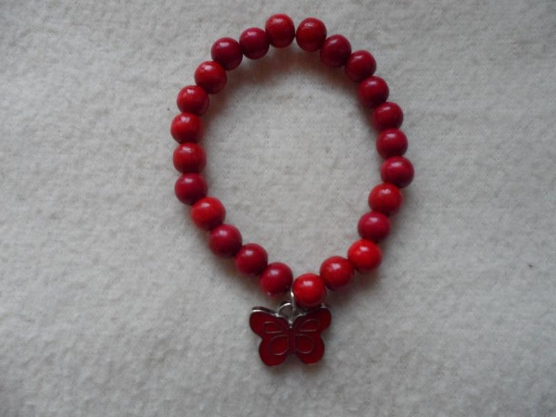 - Perlenarmband, Holzperlen,rot, Schmetterlinganhänger - Perlenarmband, Holzperlen,rot, Schmetterlinganhänger