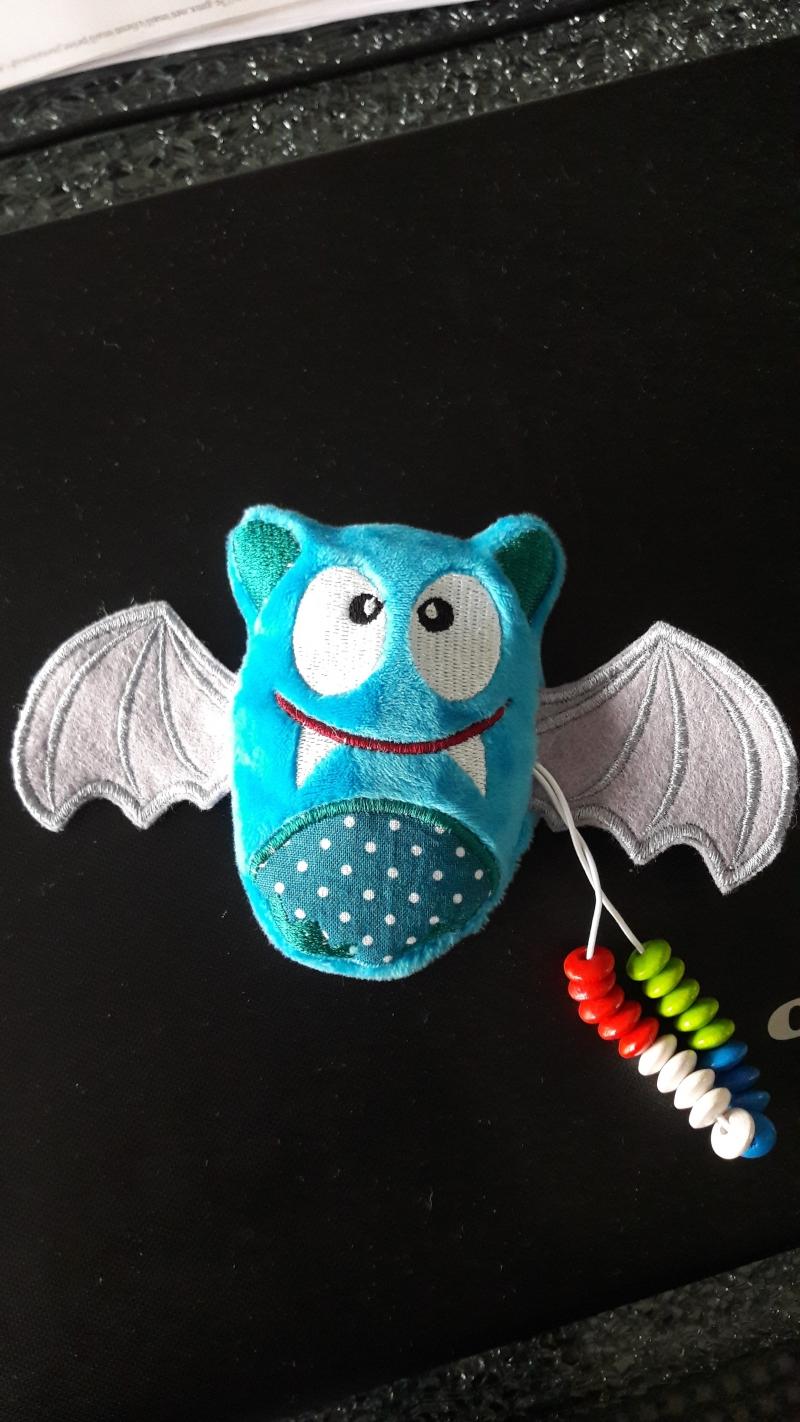 Kleinesbild - Rechenhilfe Rechentier Zählfledermaus mit Flügeln