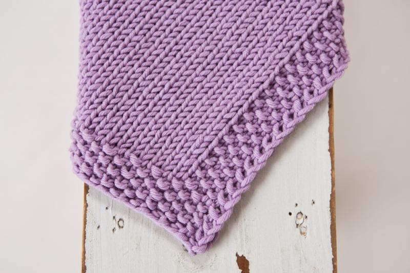 Kleinesbild - Handgestrickte kuschelweiche Babydecke aus weicher Wolle (Merino) für Neugeborene  - ein tolles Geschenk