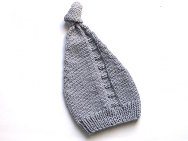 Kleinesbild - Niedliche Zipfelmütze für ganz kleine Wichtel - handgestrickt aus weicher Wolle (Merino) für kalte Wintertage - KU 30-35 cm