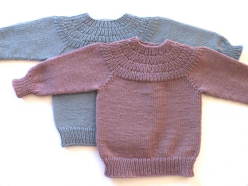 Kleinesbild - Handgestrickter Babypullover aus weicher Wolle (Merino) in einer tollen Farbe - Größe 74 - 80. (9 - 12 Monate)
