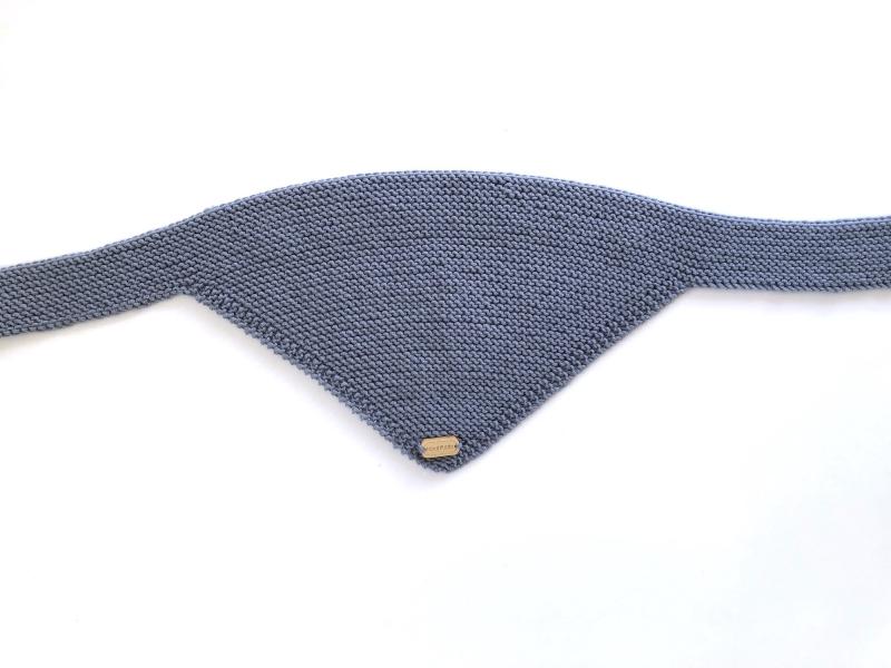 - Handgestrickter dreieckiger Babyschal aus weicher Wolle (Merino) in rauchblau - ein tolles Geschenk  - Handgestrickter dreieckiger Babyschal aus weicher Wolle (Merino) in rauchblau - ein tolles Geschenk