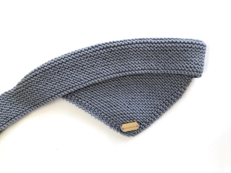 Kleinesbild - Handgestrickter dreieckiger Babyschal aus weicher Wolle (Merino) in rauchblau - ein tolles Geschenk