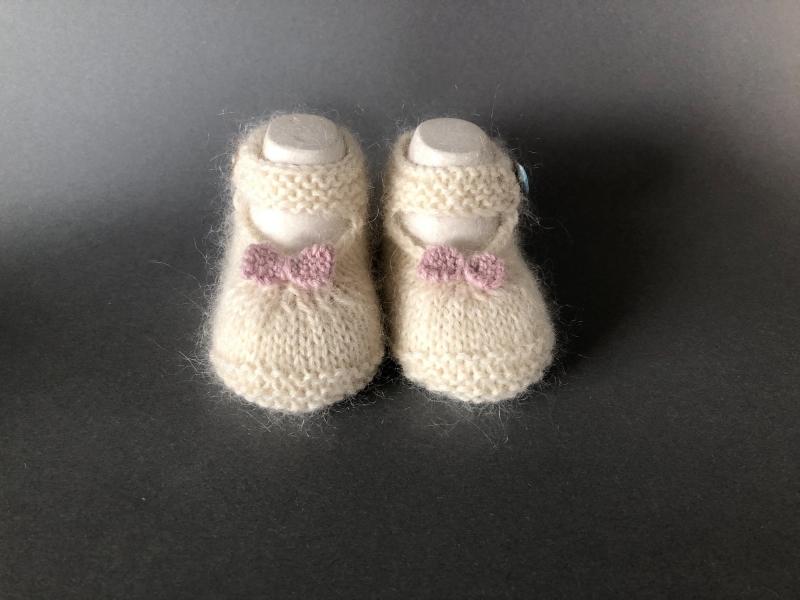 - Handgestrickte Baby-Ballerina in wollweiß - ein tolles Geschenk zu Weihnachten - Fuß 10 - 11 cm (0 - 3 Monate)   - Handgestrickte Baby-Ballerina in wollweiß - ein tolles Geschenk zu Weihnachten - Fuß 10 - 11 cm (0 - 3 Monate)