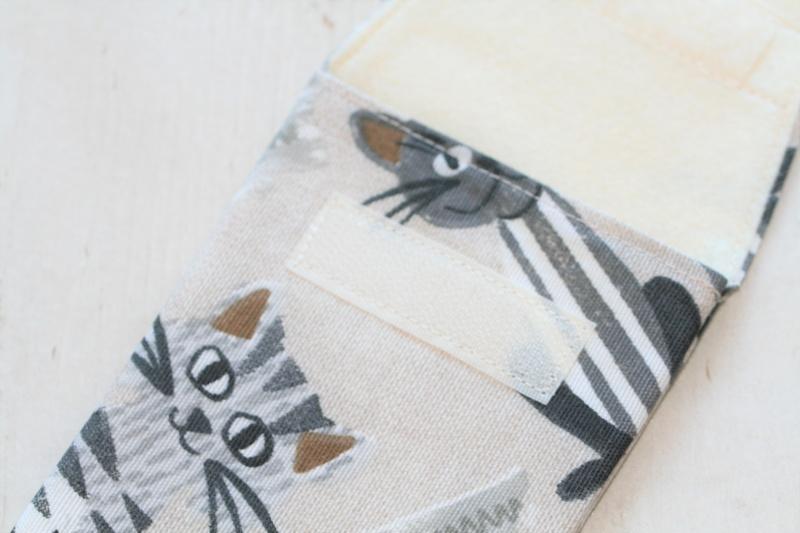 Kleinesbild - Handytasche Katzen mit Klettverschluss Gr.L