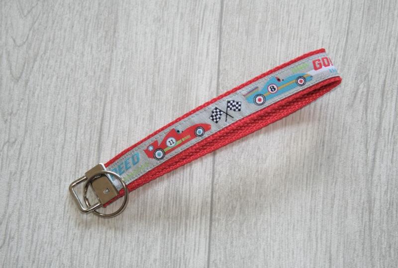 - Schlüsselanhänger, Schlüsselband Rennwagen aus Gurtband, Länge 15 cm - Schlüsselanhänger, Schlüsselband Rennwagen aus Gurtband, Länge 15 cm