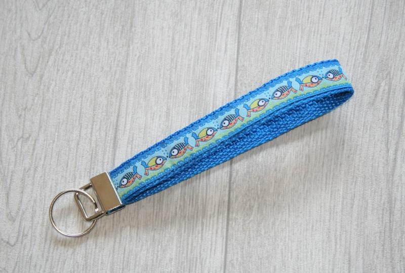 - Schlüsselanhänger, Schlüsselband Fische aus Gurtband, Länge 15 cm - Schlüsselanhänger, Schlüsselband Fische aus Gurtband, Länge 15 cm