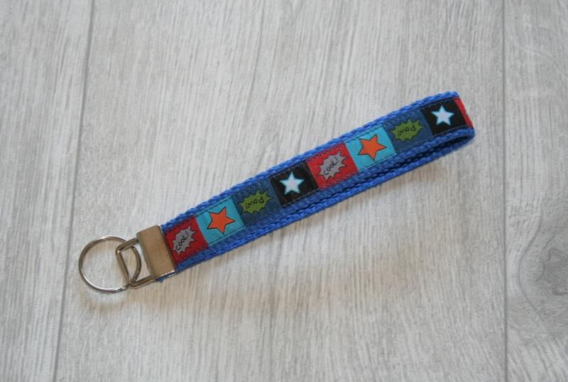 - Schlüsselanhänger, Schlüsselband Cool mit Gurtband aus Baumwolle in Blau, kurz - Schlüsselanhänger, Schlüsselband Cool mit Gurtband aus Baumwolle in Blau, kurz