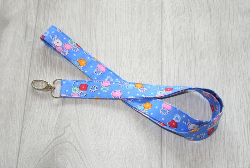 - Schlüsselband bunte Blumen aus Baumwolle, lang - Schlüsselband bunte Blumen aus Baumwolle, lang