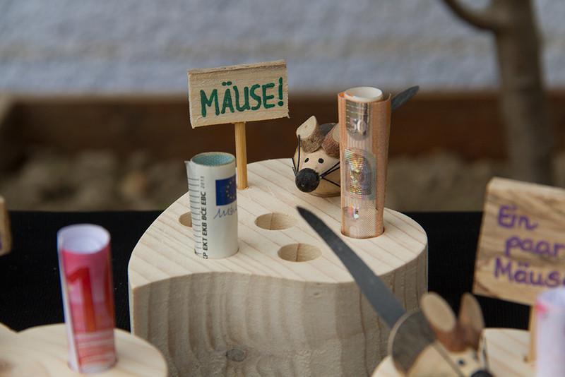 Anlasse Herz Mit Einer Maus Aus Holz Als Geldgeschenk Zur Hochzeit