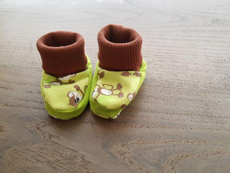 - Babyschuhe aus Jersey, weich und bequem- Affen - Babyschuhe aus Jersey, weich und bequem- Affen