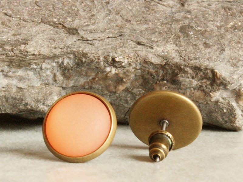 Kleinesbild - Polaris-Ohrstecker in Orange mit besonderem Schimmer in bronzefarbener Fassung