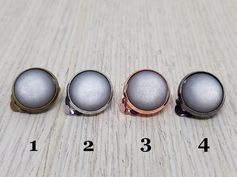 Kleinesbild - Ohrclips mit grauem Polaris-Schmuckstein - Lässig und edel