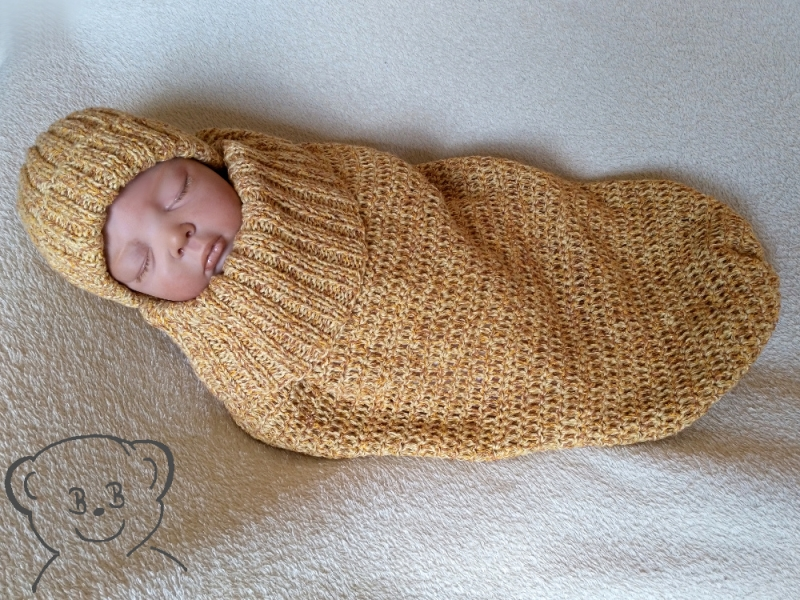 Kleinesbild - Baby Kuschelsack und Mütze [Farbe ANANAS] gestrickt und gehäkelt