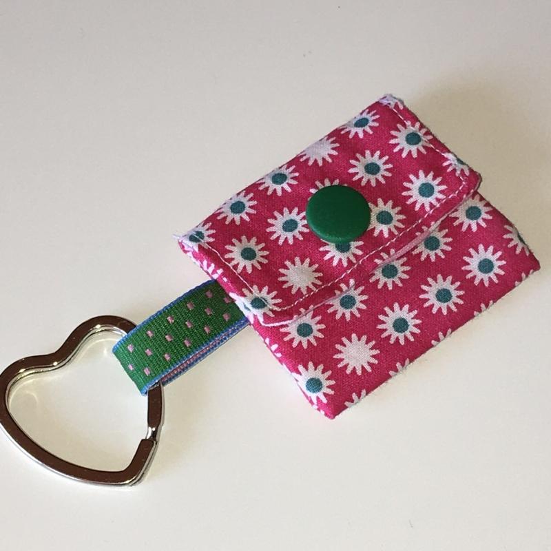 - Chiptasche, Chiptäschchen, Tasche für Einkaufswagenchip, Baumwolle pink/grün, incl. Federring und Einkaufschip - Chiptasche, Chiptäschchen, Tasche für Einkaufswagenchip, Baumwolle pink/grün, incl. Federring und Einkaufschip