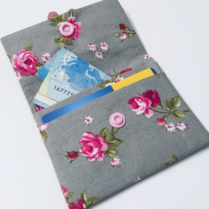 Kleinesbild - Geldbeutel Geldbörse Münztasche Kartenetui Minigeldbeutel , handgefertigt, Rosen