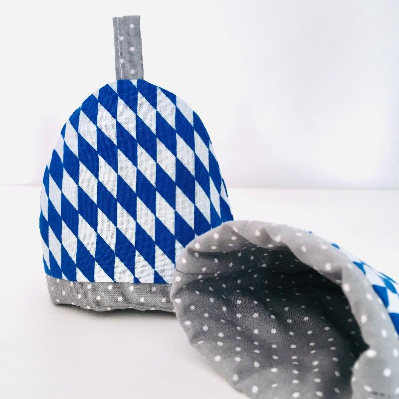Kleinesbild - 2-er Set Eierwärmer mit Namen, Eierhütchen, handgefertigt, personalisierbar, Baumwolle,  Bayernraute Rautenmuster / grau