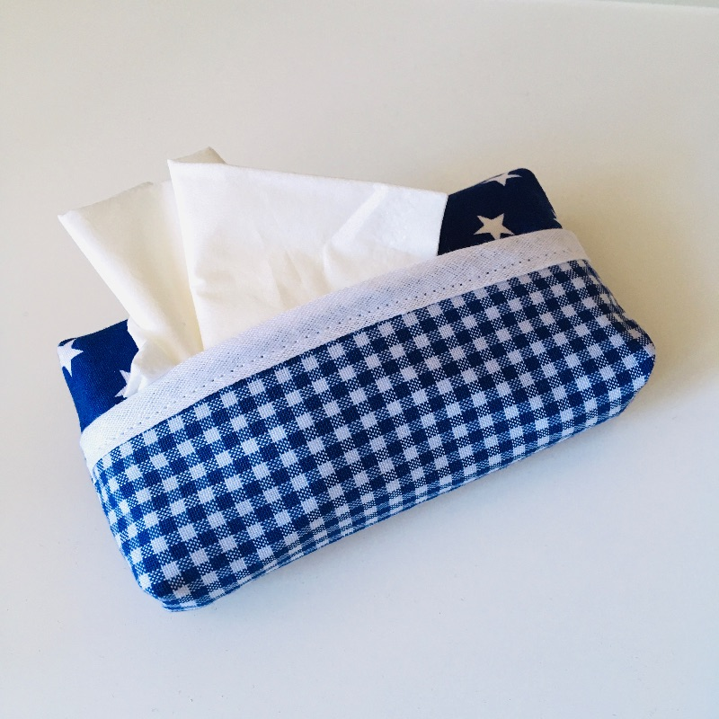 - Taschentuchtasche, Taschentuchtascherl, TaTüTa, aus Baumwolle, Sterne, kariert, weiß/blau, für 10 Taschentücher - Taschentuchtasche, Taschentuchtascherl, TaTüTa, aus Baumwolle, Sterne, kariert, weiß/blau, für 10 Taschentücher