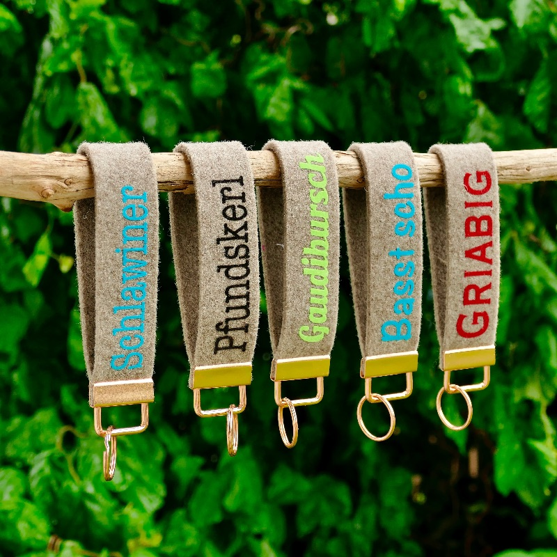 Kleinesbild - Schlüsselanhänger, Schlüsselband aus Wollfilz mit Aufschrift , incl Schlüsselring, Geschenk für Herren, Männergeschenk