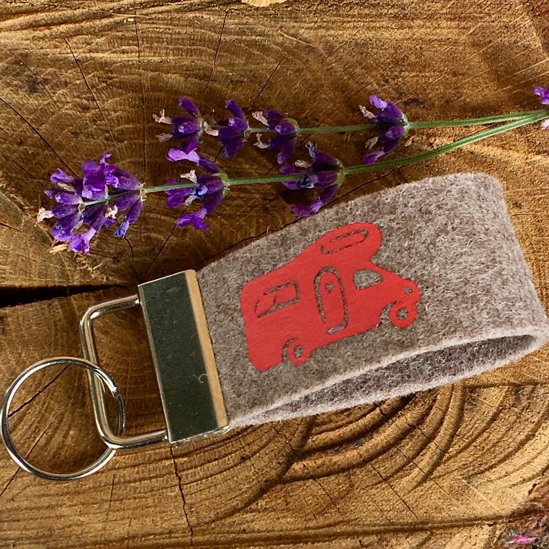 - Schlüsselanhänger,Schlüsselband aus Wollfilz mit Wohnmobil, Wohnanhänger, Camper, Camping,  - Schlüsselanhänger,Schlüsselband aus Wollfilz mit Wohnmobil, Wohnanhänger, Camper, Camping,