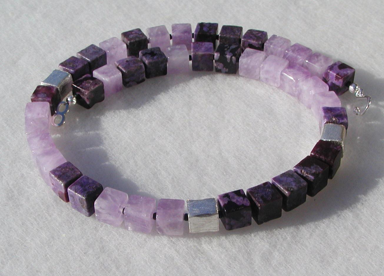 Kleinesbild - Halskette - Amethyst und Jaspis in Würfeln violett flieder Edelsteinschmuck